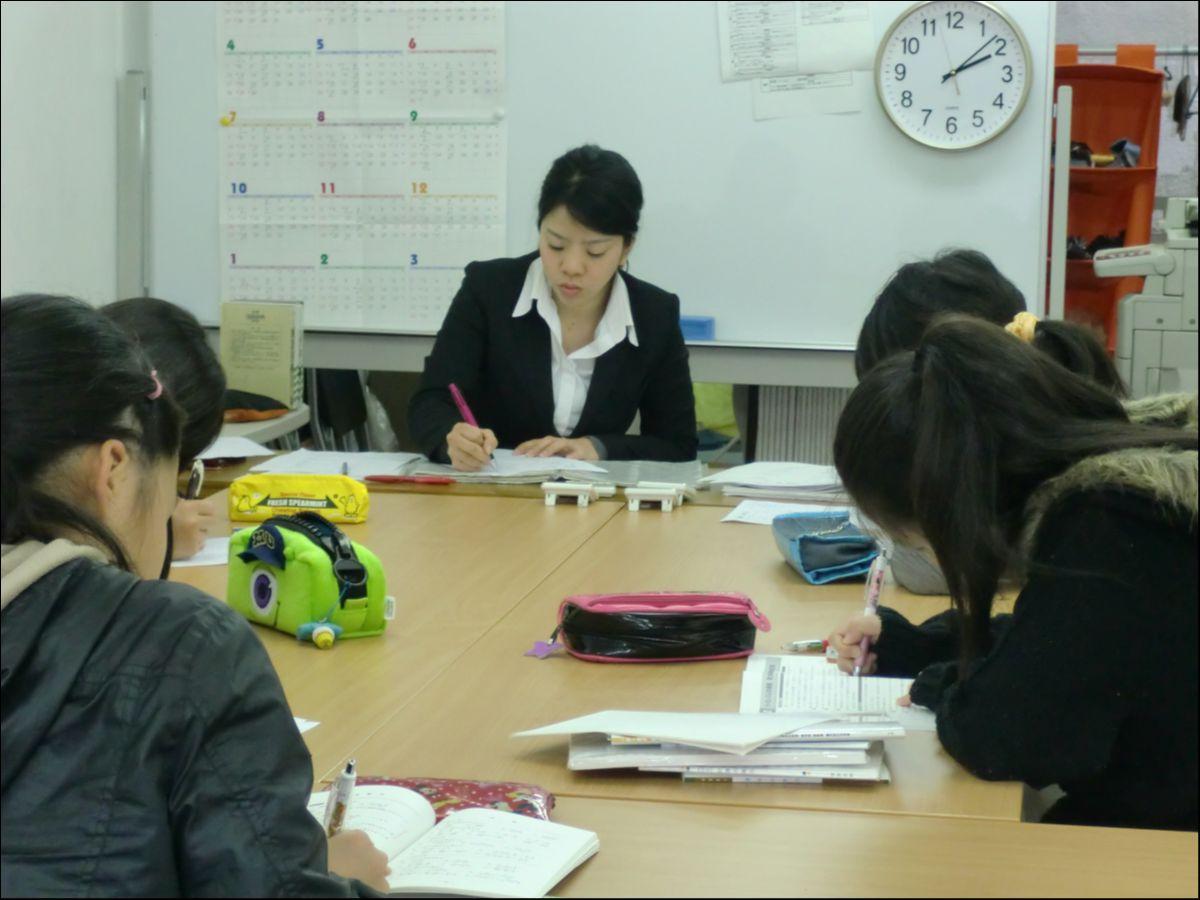 20年以上の伝統のあるメソッドです!「学校英語コース」